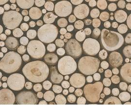 Tapeta papierowaniemieckiej firmy A.S. Creation z kolekcji Dekora Natur. Ten wzór toimitacja drewnianych pni z efektem fotografii.