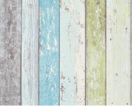 Tapeta na flizelinie niemieckiej firmy A.S. Creation z kolekcji Surf and Sailing. Ten wzór todoskonała imitacja surowych, starychdesek w odcieniach soczystej zieleni, bieli, szarości oraz błękitu.